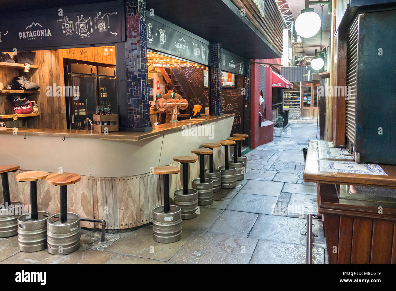 Montevideo, Uruguay - 25 Février 2018: fermé restaurant à l'intérieur du port (marché Photo Stock