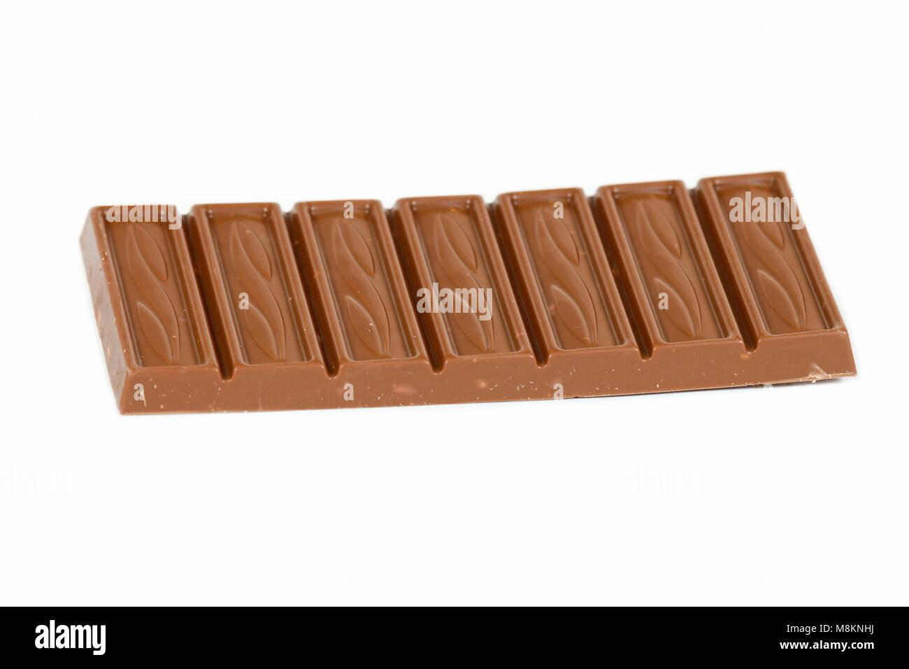 Ensemble de barre de chocolat amande lait Choceur isolé sur fond blanc Banque D'Images