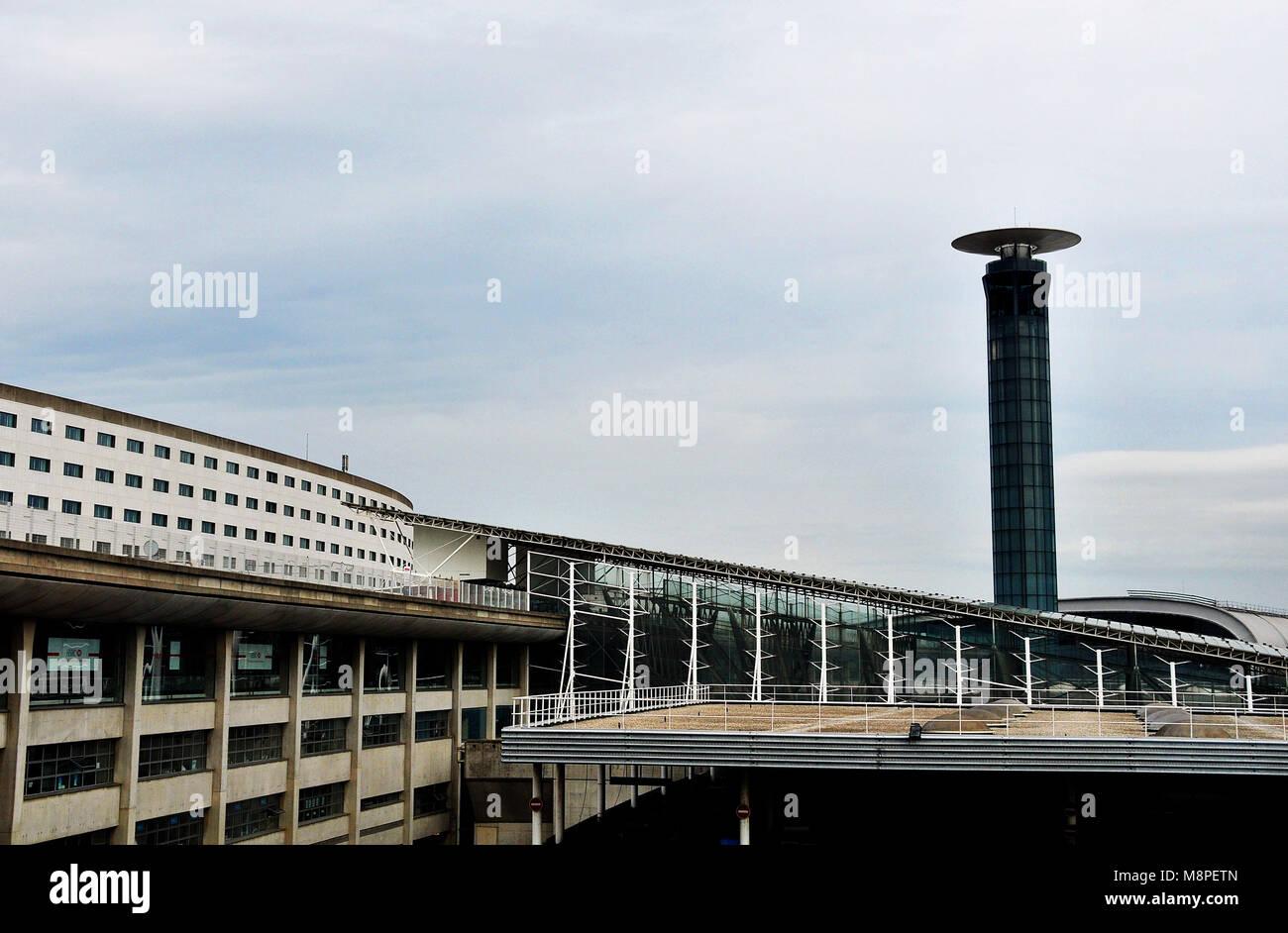 Tour De Controle L Hotel Sheraton De La Gare L Aeroport Roissy