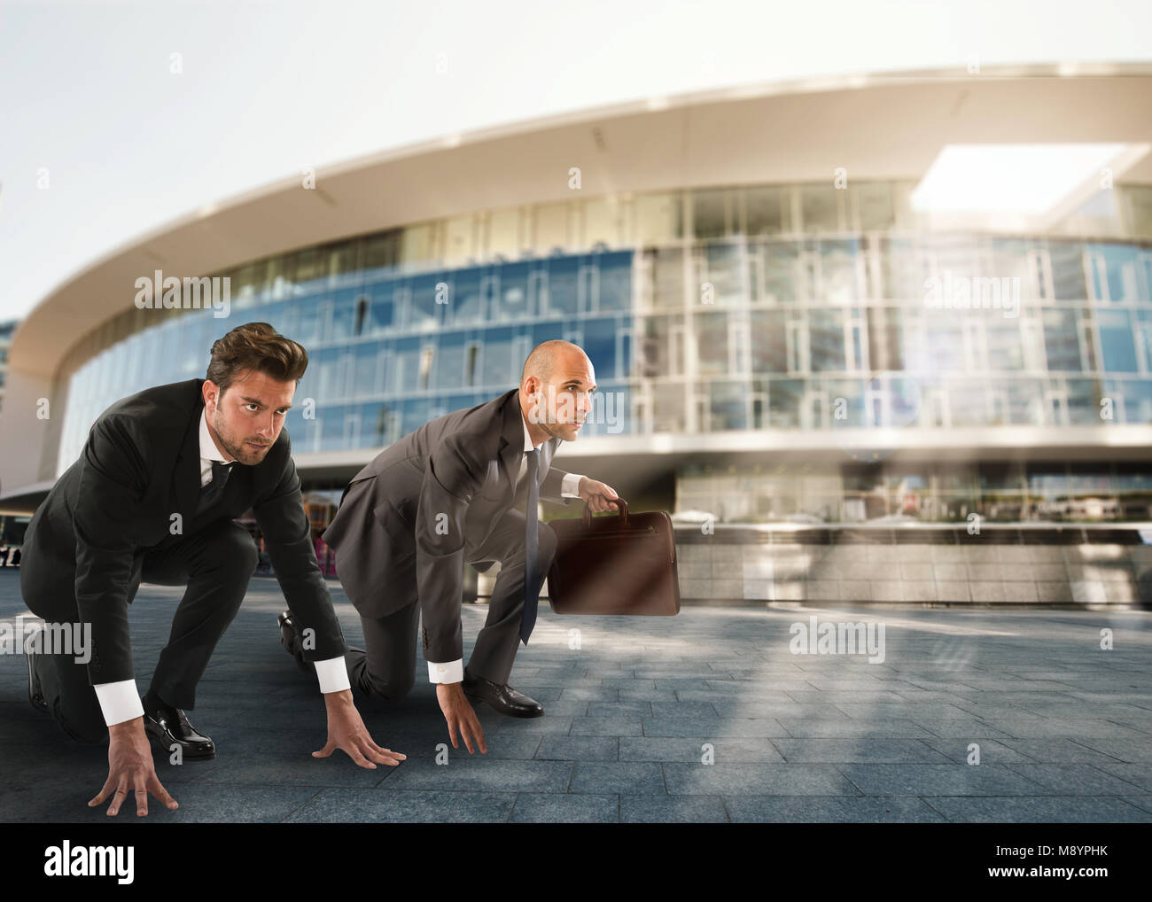 Les hommes d'affaires prêt à démarrer. La concurrence et du concept d'entreprise en difficulté Photo Stock