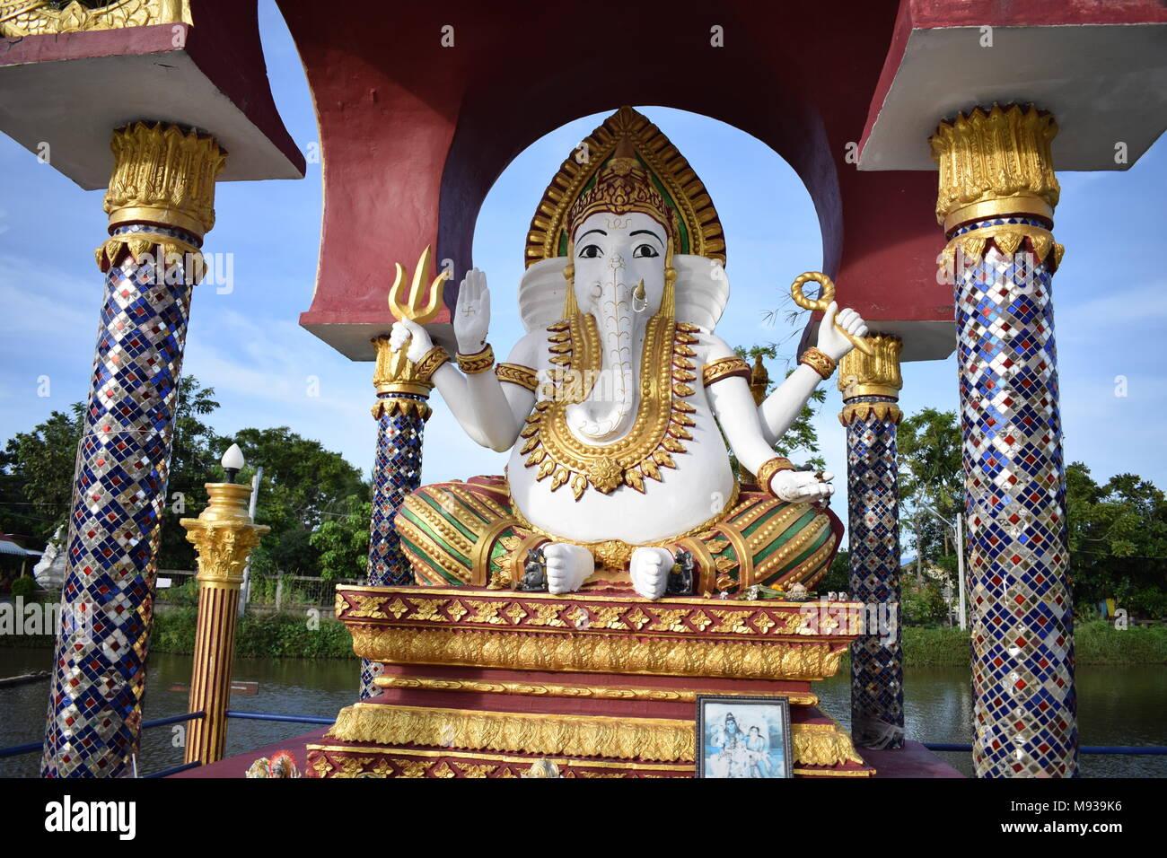 Ganesh Trompe A Droite ganesha elephant photos & ganesha elephant images - alamy