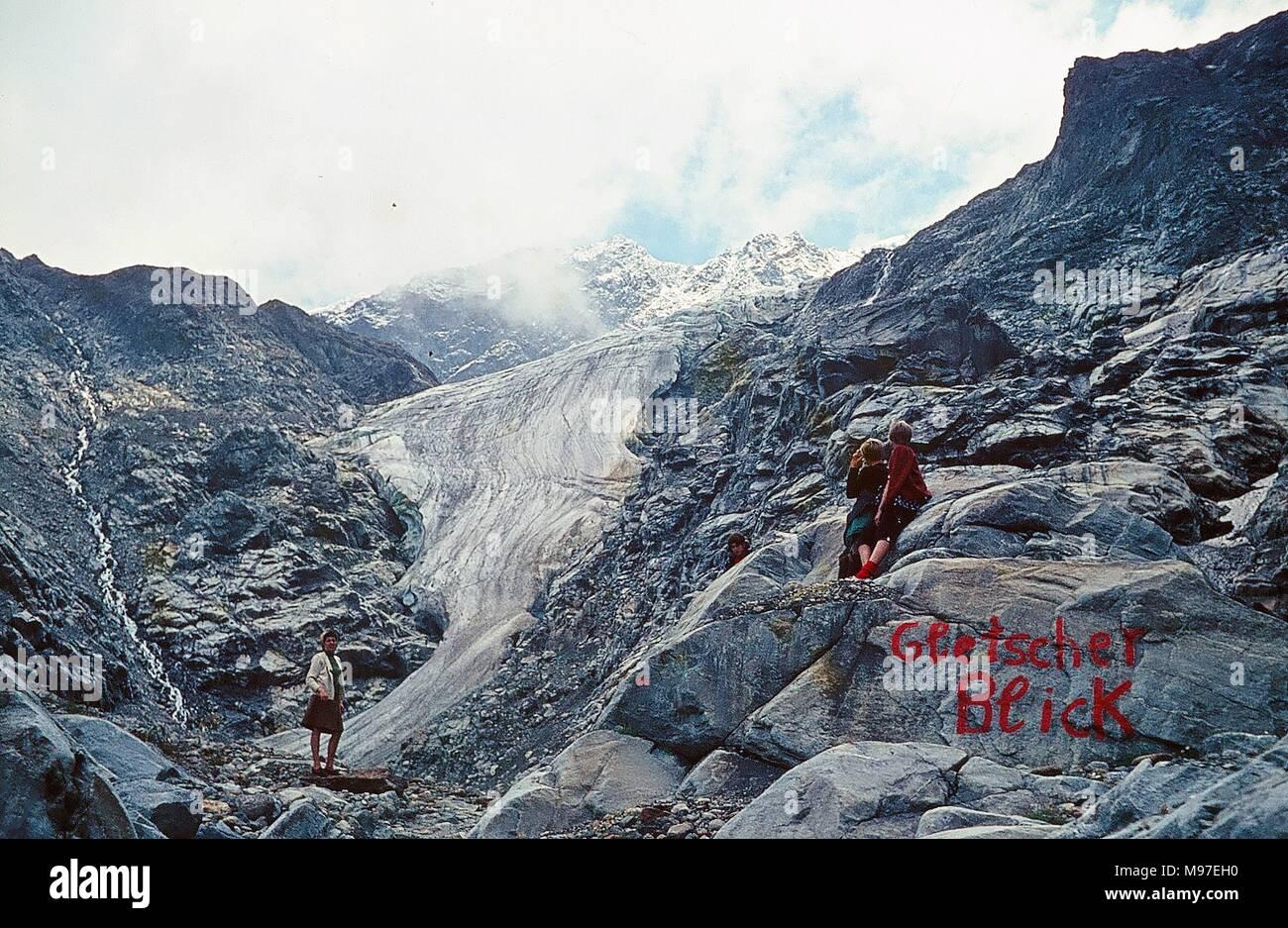 vacances au tyrol Wildspitze, Tyrol, Autriche - Été 1969 : La langue du glacier de la montagne