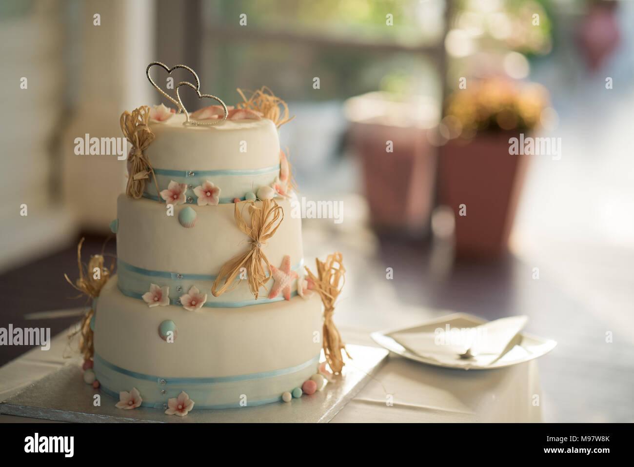 Un délicieux gâteau de mariage Photo Stock