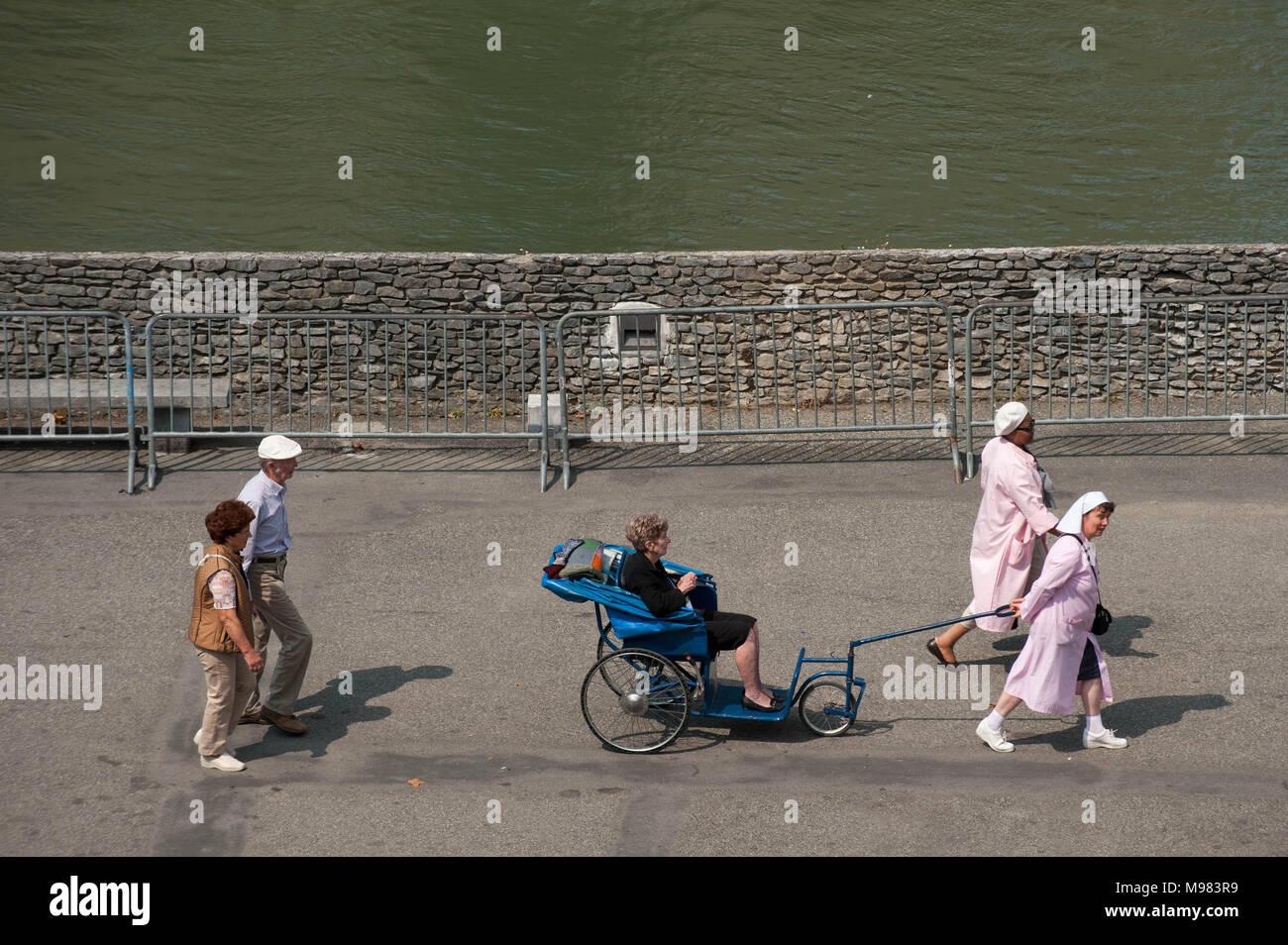 Lourdes. Sanctuaire de Notre Dame de Lourdes. La France. Banque D'Images
