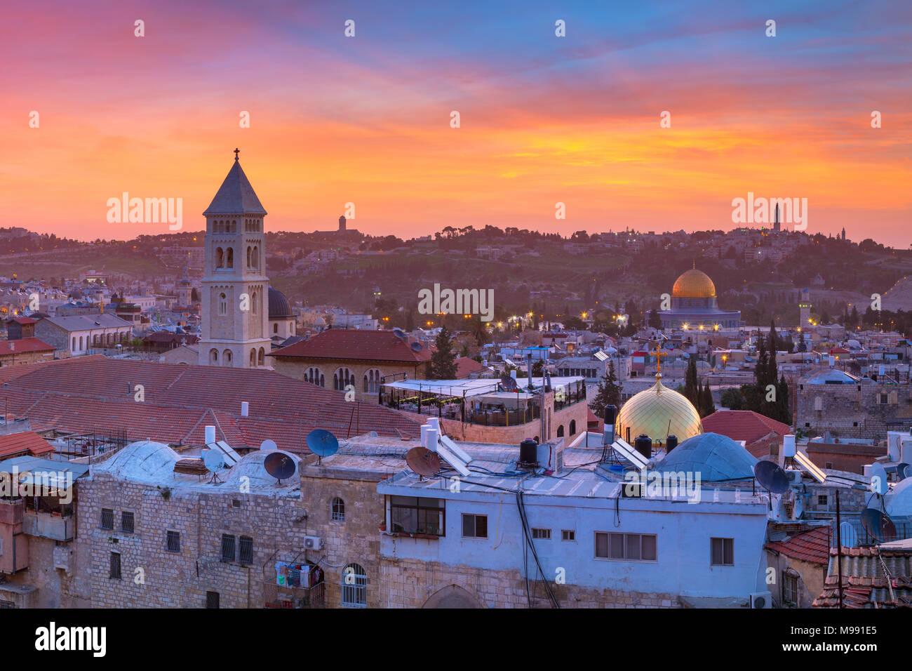 Jérusalem. Cityscape image de vieille ville de Jérusalem, Israël au lever du soleil. Banque D'Images