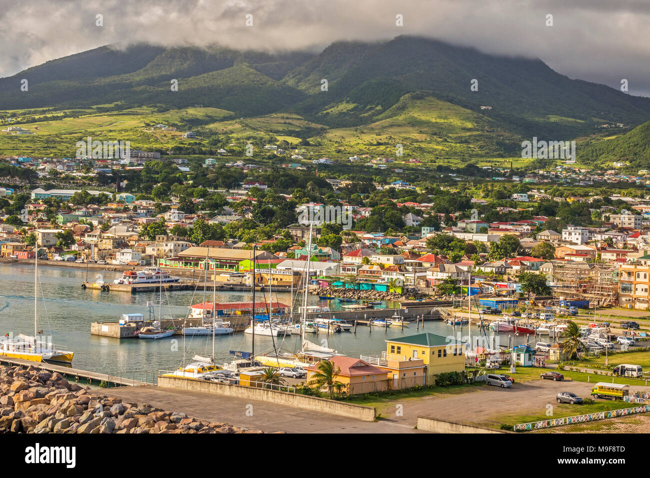 Bateaux dans le port, Basseterre, Saint Kitts, West Indies Banque D'Images