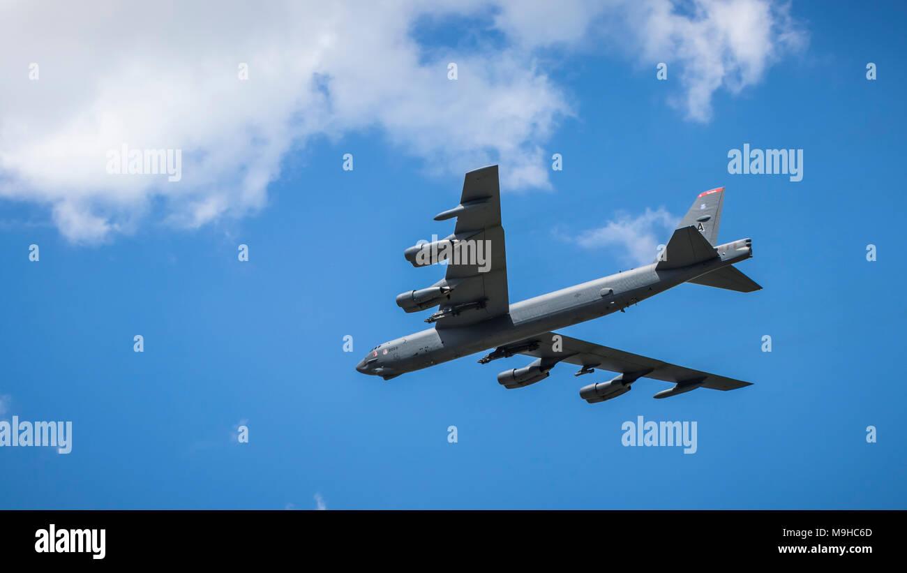Le Buff puissant bombardier Boeing B-52 Stratofortress en vol au Salon du Bourget 2017 à Duluth, Minnesota, USA. Banque D'Images