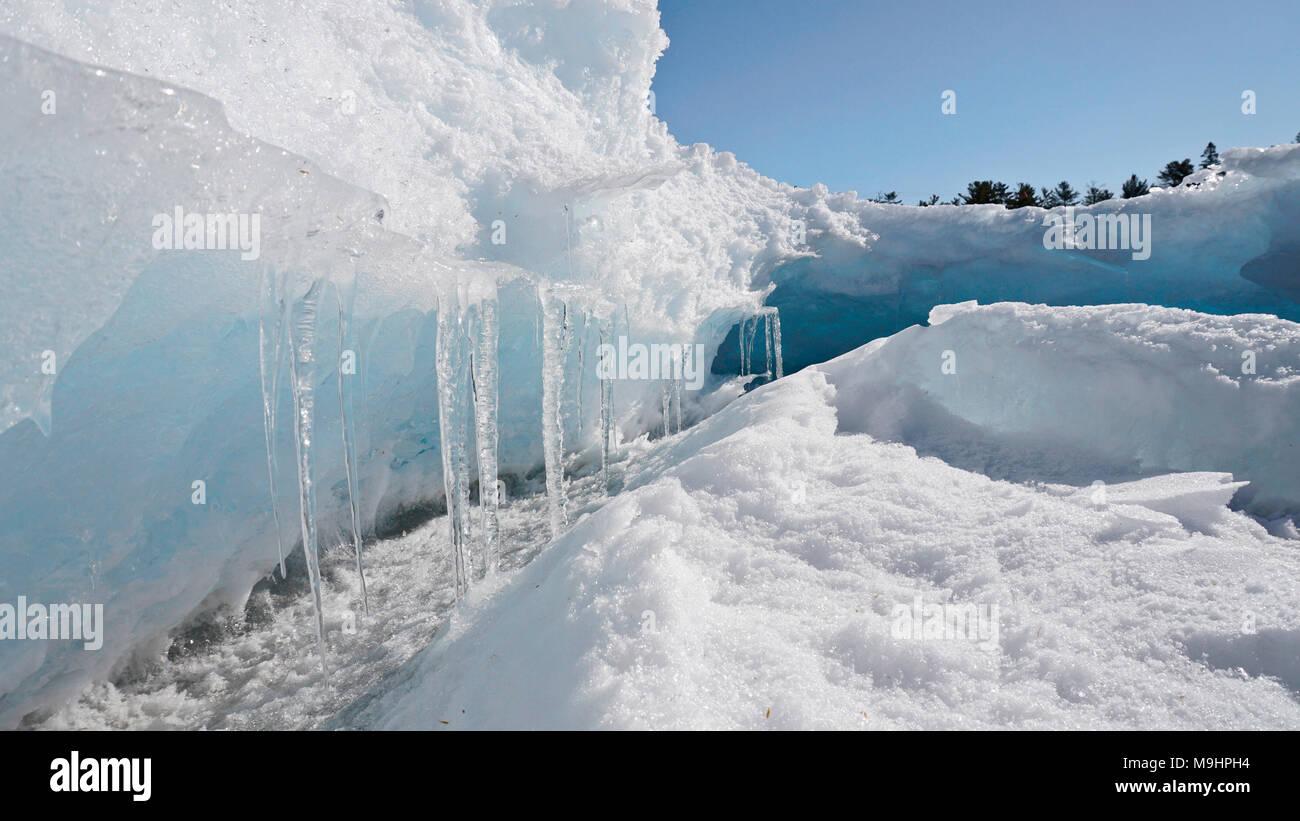 Rives glacées de la baie Georgienne à Killarney, Ontario, Canada Photo Stock