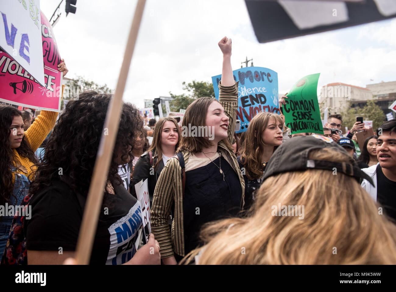 LOS ANGELES - le 24 mars 2018: mars pour nos vies est un mouvement consacré à l'activisme par les élèves autour de mettre fin à la violence armée et les fusillades de masse. Photo Stock