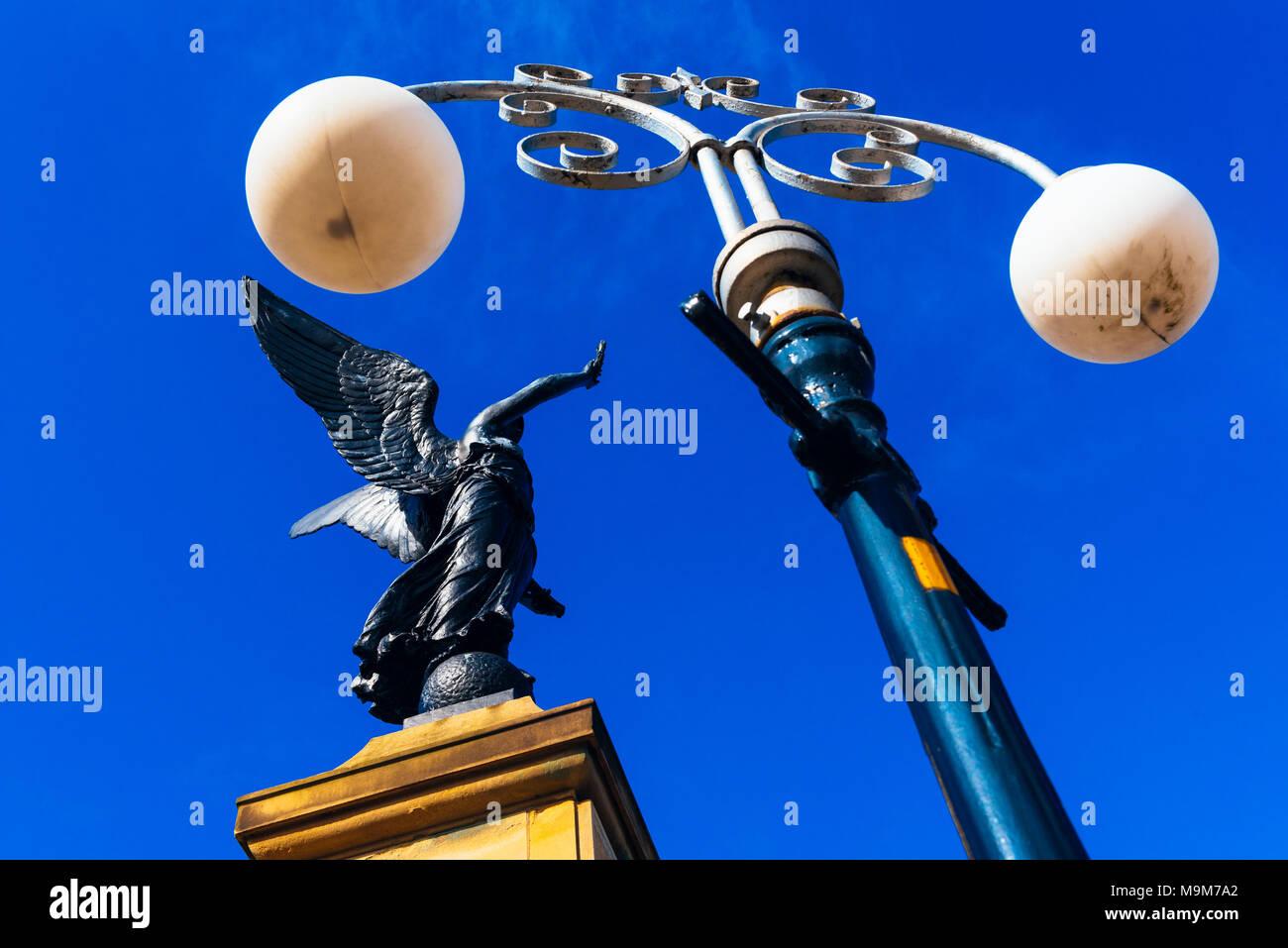 5 lampes War Memorial, Waterloo avec Seaforth, Crosby, Merseyside, Angleterre Photo Stock