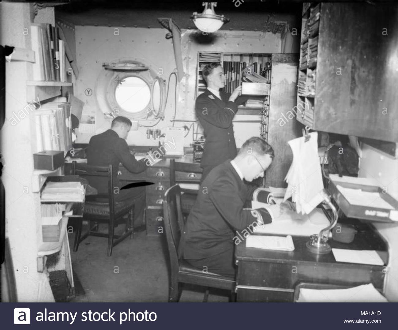 La royal navy pendant la seconde guerre mondiale l homme au