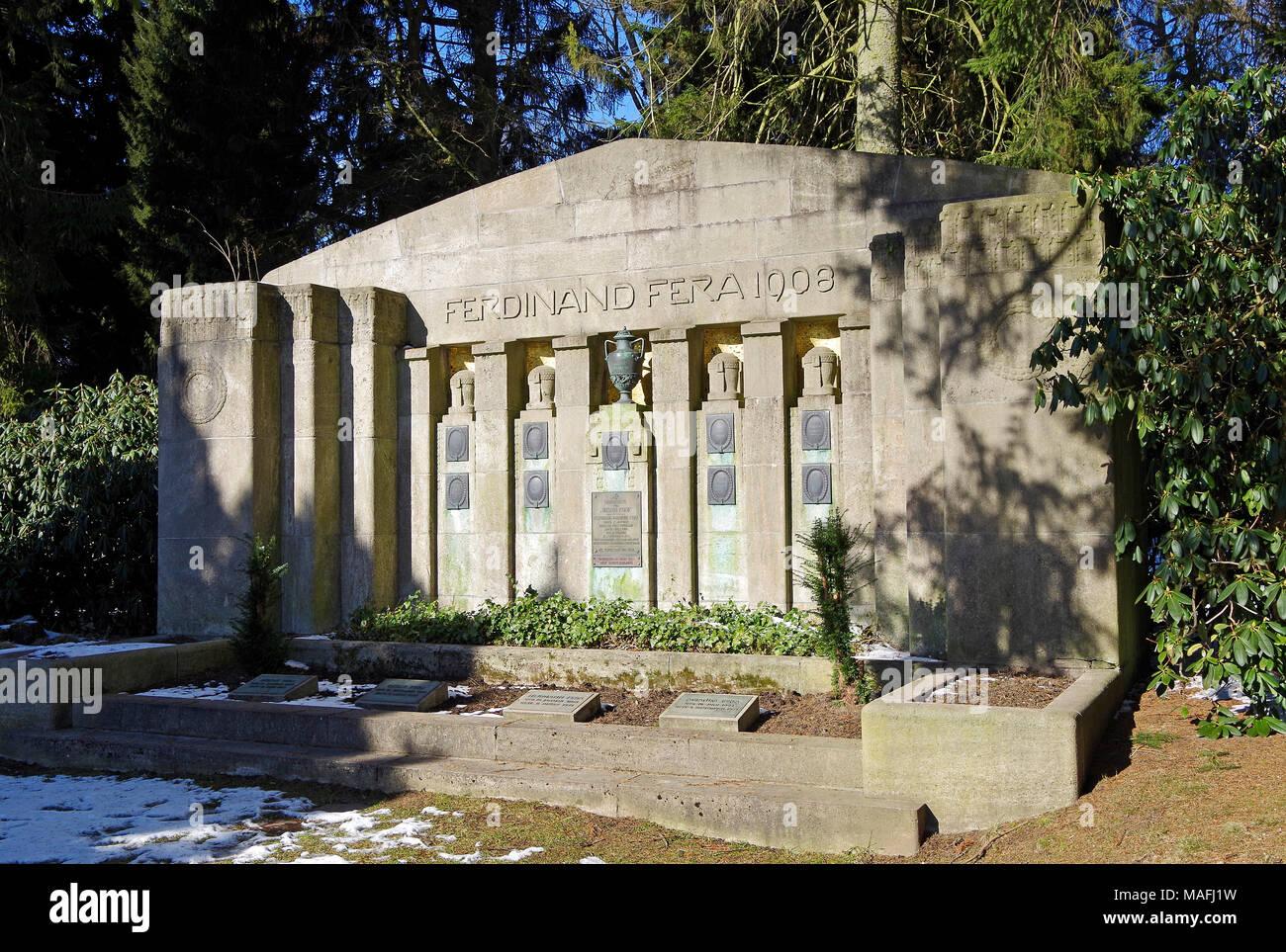 Cimetière Ohlsdorf à Hambourg, créé en 1877 comme un lieu de sépulture non confessionnel, l'un des plus grands cimetières, hiver, Photo Stock