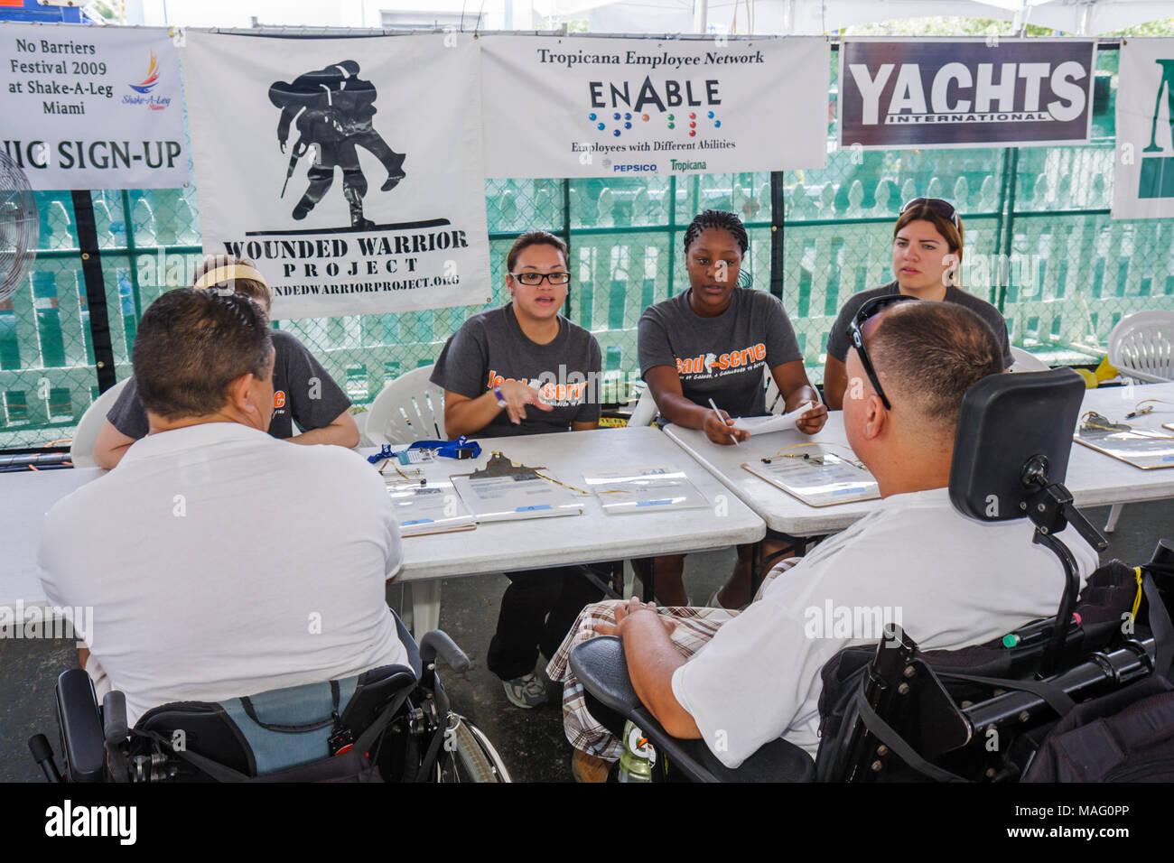 Floride, Floride, Sud, Miami, Coconut Grove, Shake a Leg Miami, No Barriers Festival, handicapés besoins spéciaux, handicap physique, fauteuil roulant Banque D'Images