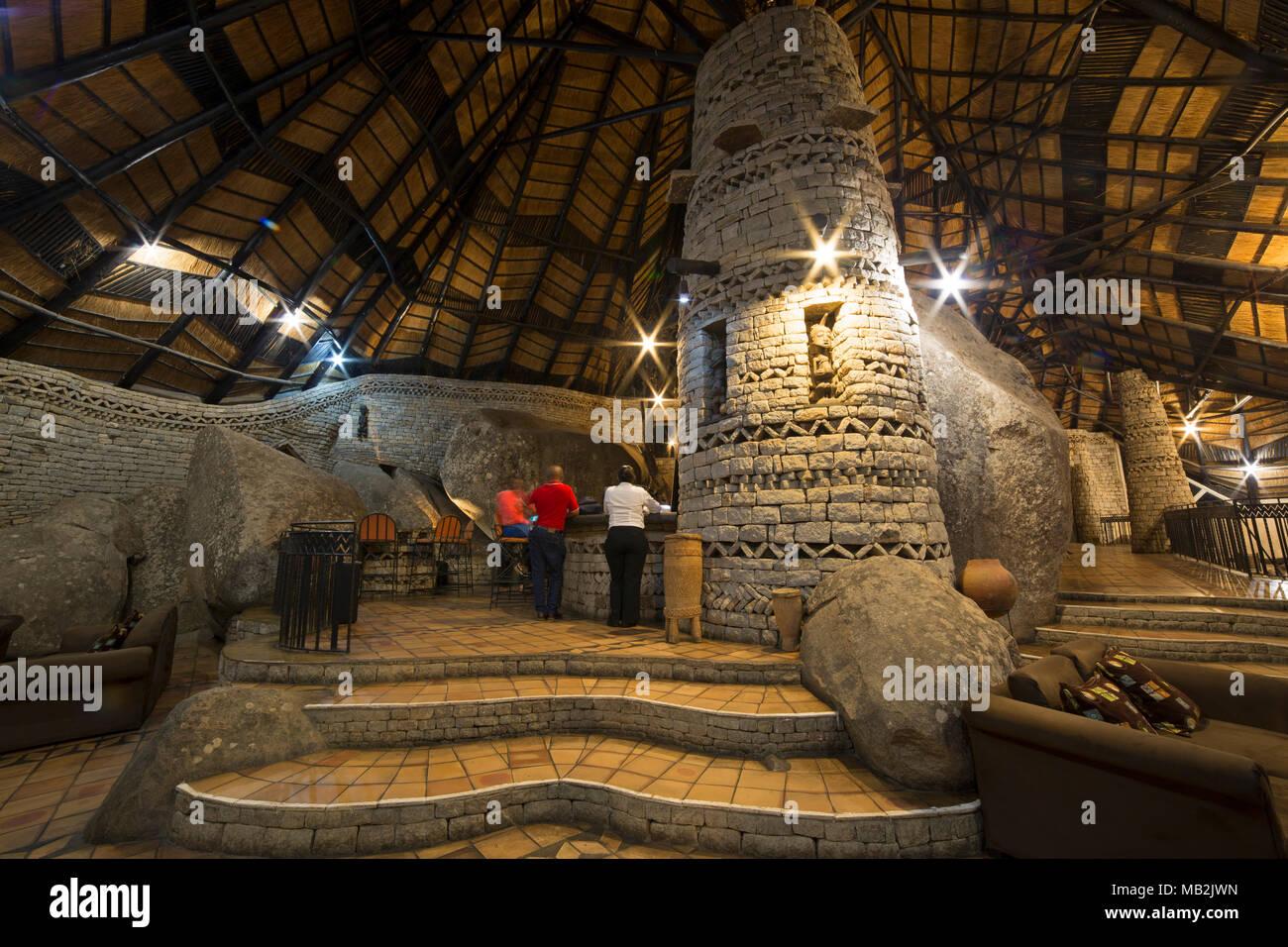 Bar dans la salle à manger commune à l'hôtel à la vieille ville, près de Harare au Zimbabwe. Photo Stock
