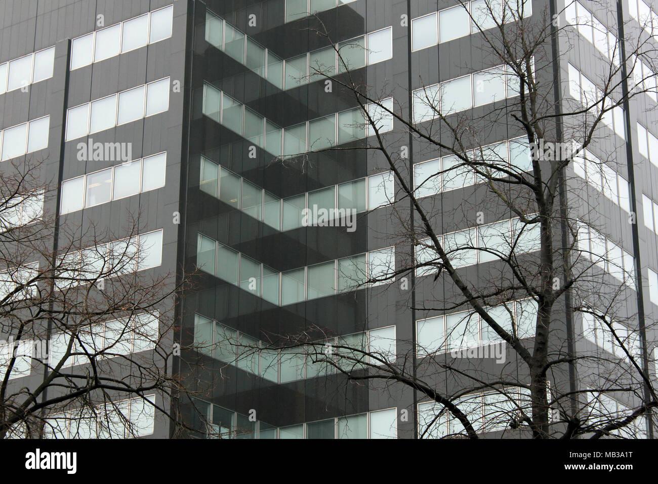Gradient gris façade de l immeuble de bureaux sur l arrière plan
