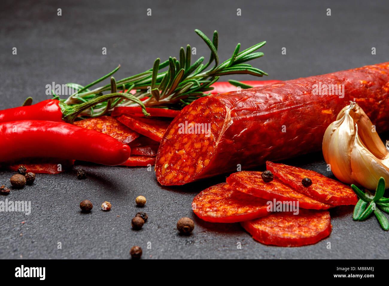 Salami sec ou saucisse chorizo espagnol Photo Stock