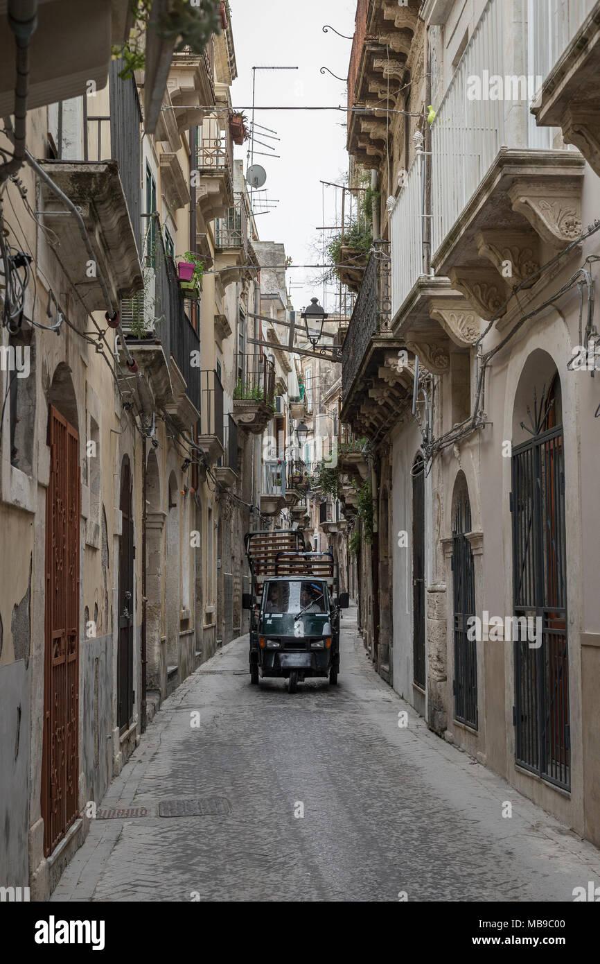 Une allée d'Ortigia, Syracuse, Sicile, Italie Photo Stock