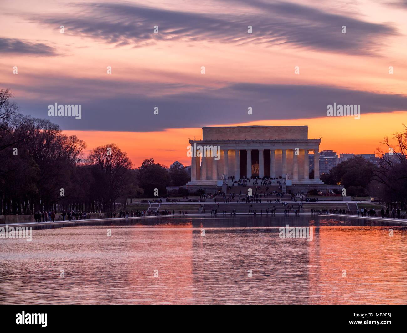 Soirée soleil derrière le Lincoln Memorial Banque D'Images