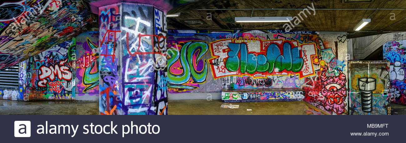 Les graffitis, Southbank skatepark, Londres, Royaume-Uni Photo Stock