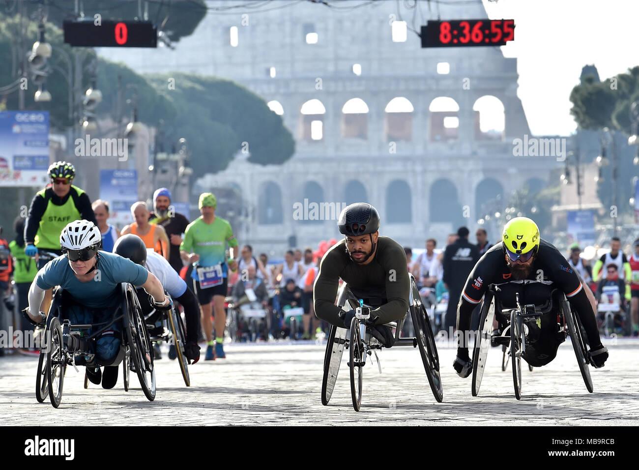 Rome, Italie  8Th apr 2018  Les Roms 08-04-2018 départ