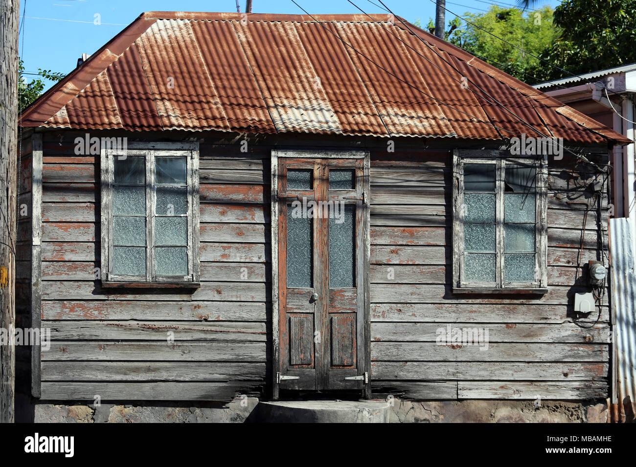 Maison en tole ondul e ventana blog - Maison en tole ondulee ...
