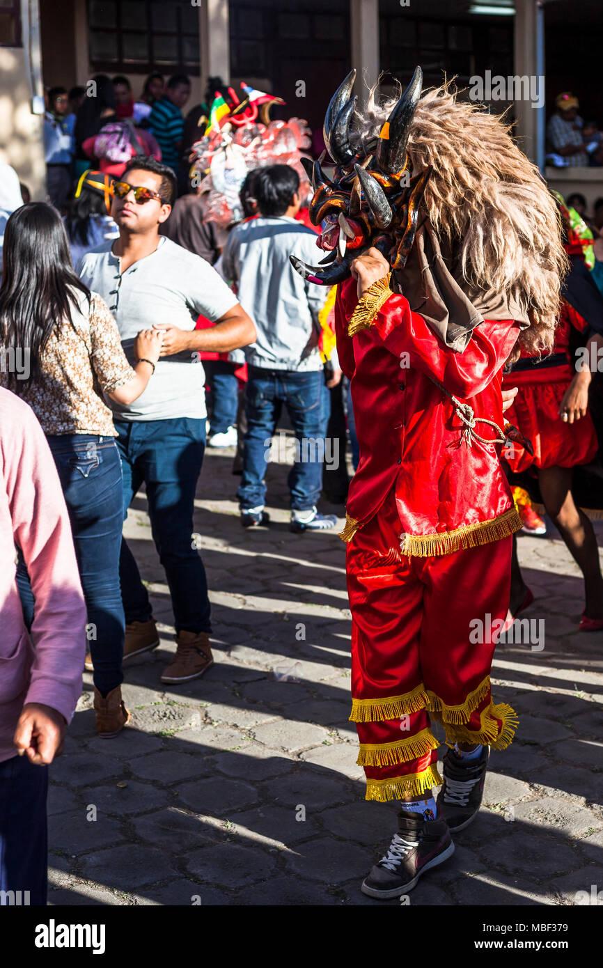 Píllaro, EQUATEUR - 6 février 2016: Un homme, habillé en diable dans le diabladas festivités dans pillaro. Banque D'Images
