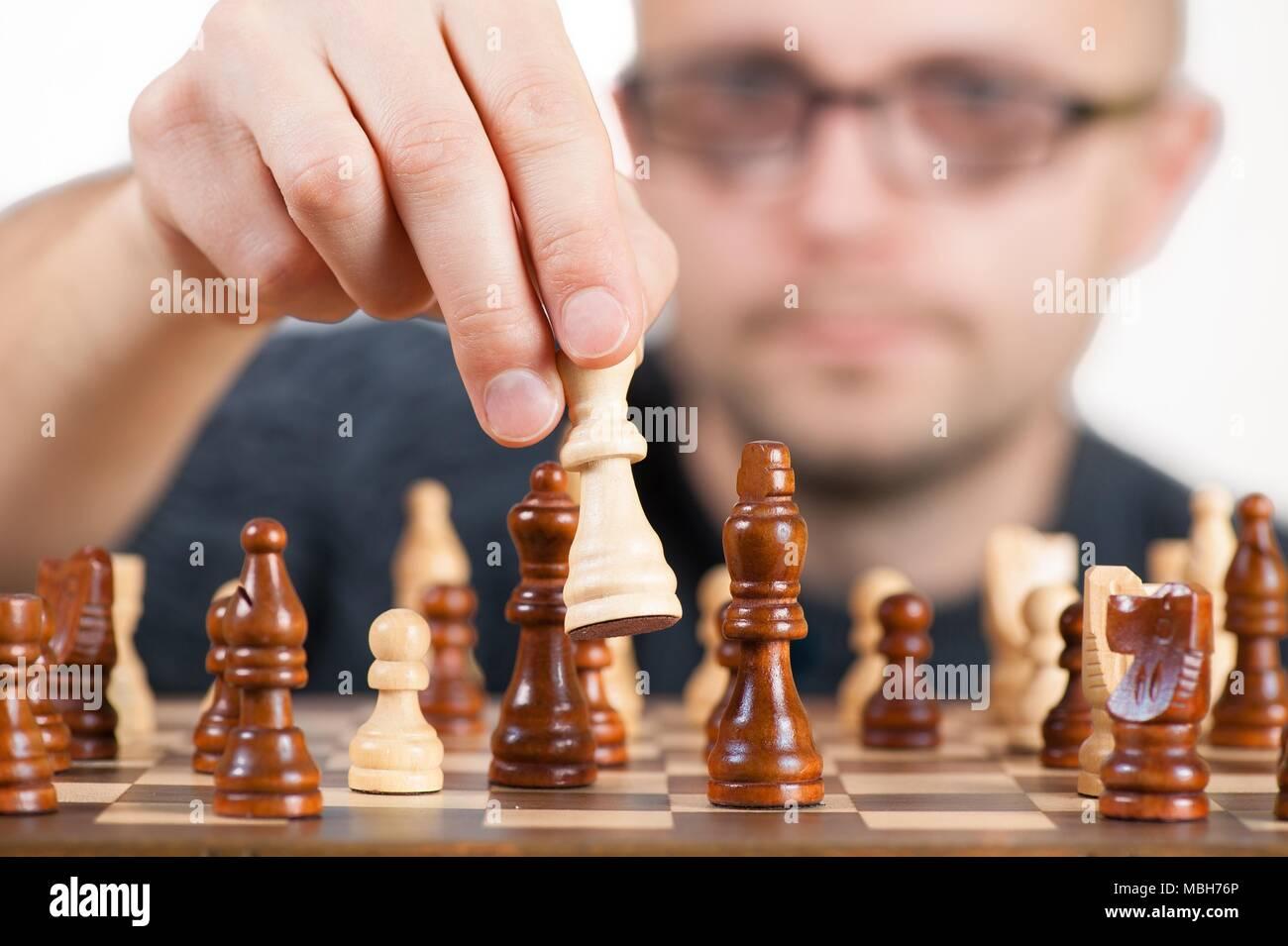 Échecs classiques c'est toujours bon de revenir à la classique et faire du mieux que vous pouvez dans la plus populaire jeu. Banque D'Images
