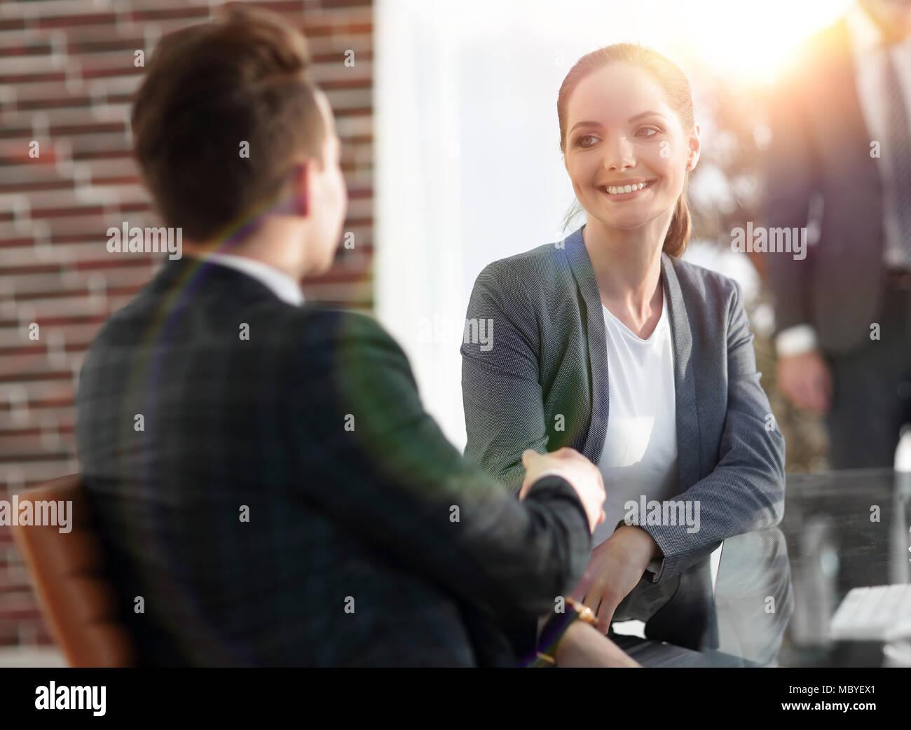 Gestionnaire de liaison et le client dans le bureau Photo Stock