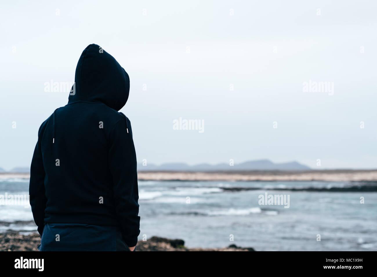 Homme recherche de la solitude [PUNIQRANDLINE-(au-dating-names.txt) 40