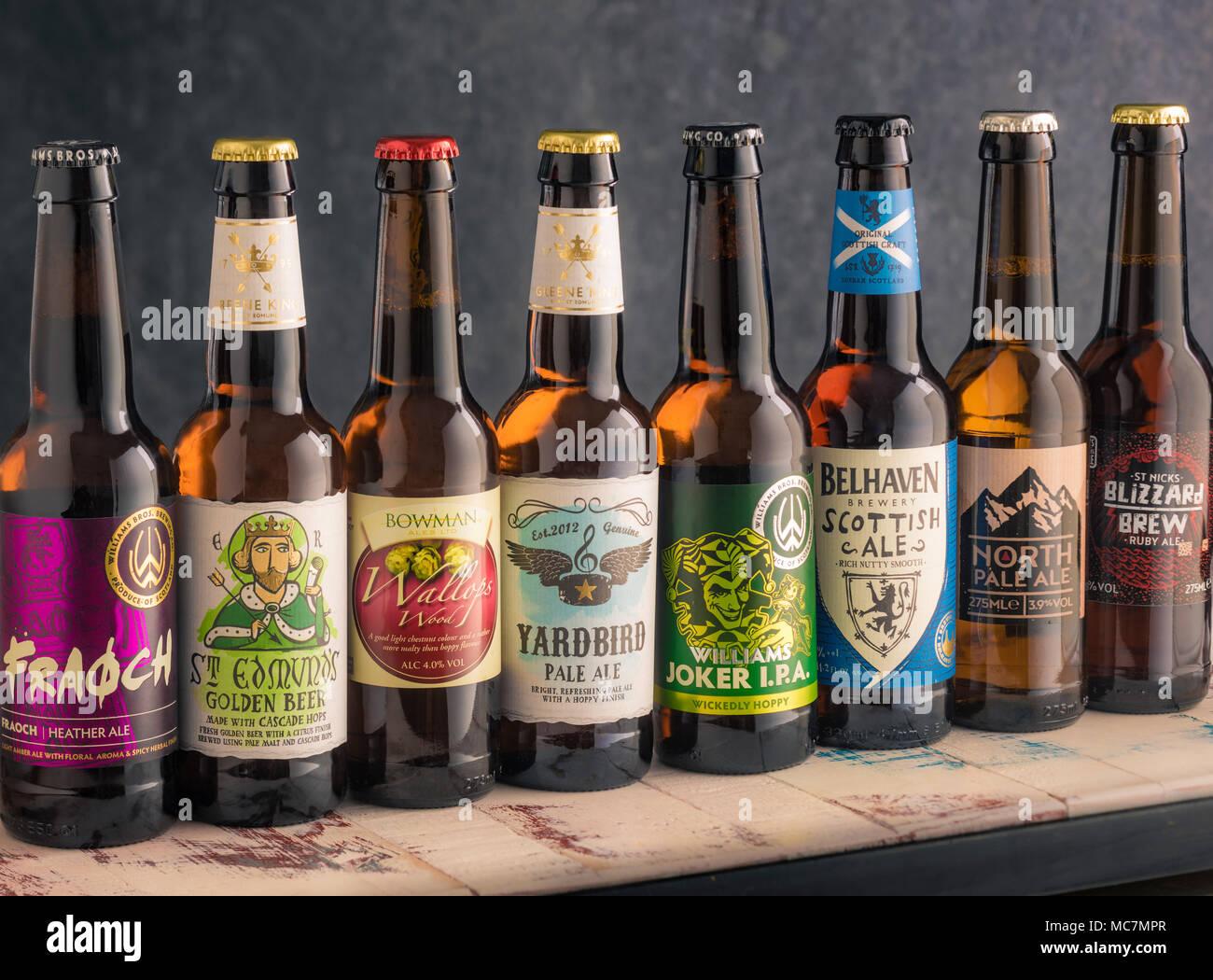 Collection de petite brasserie indépendante des bières artisanales en bouteilles Photo Stock