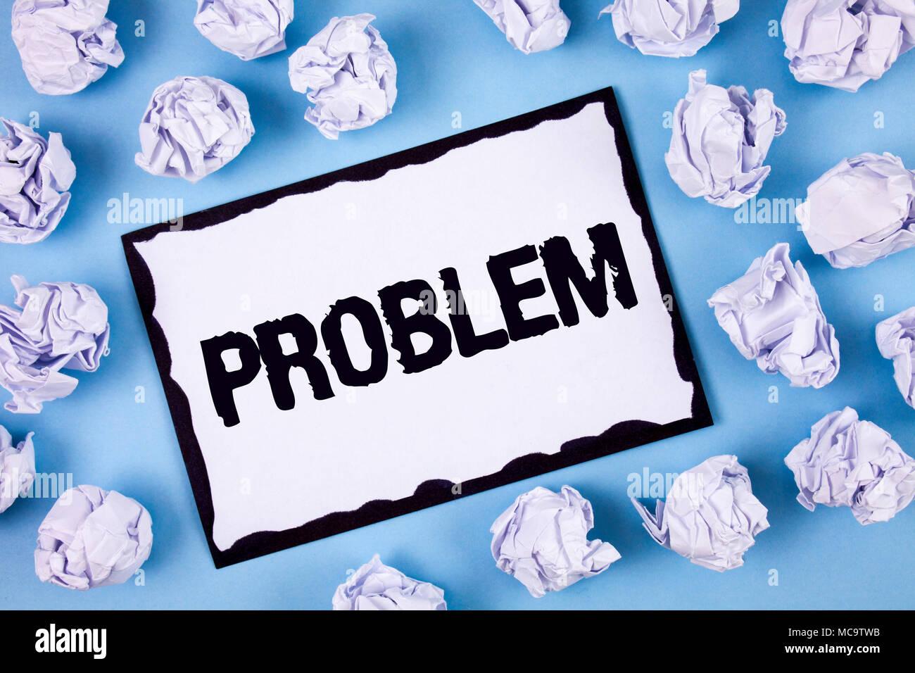 L'écriture de texte mot problème. Pour le concept d'affaires qui doivent être résolus Situation difficile blanc écrit Complication post-it papier dans Photo Stock