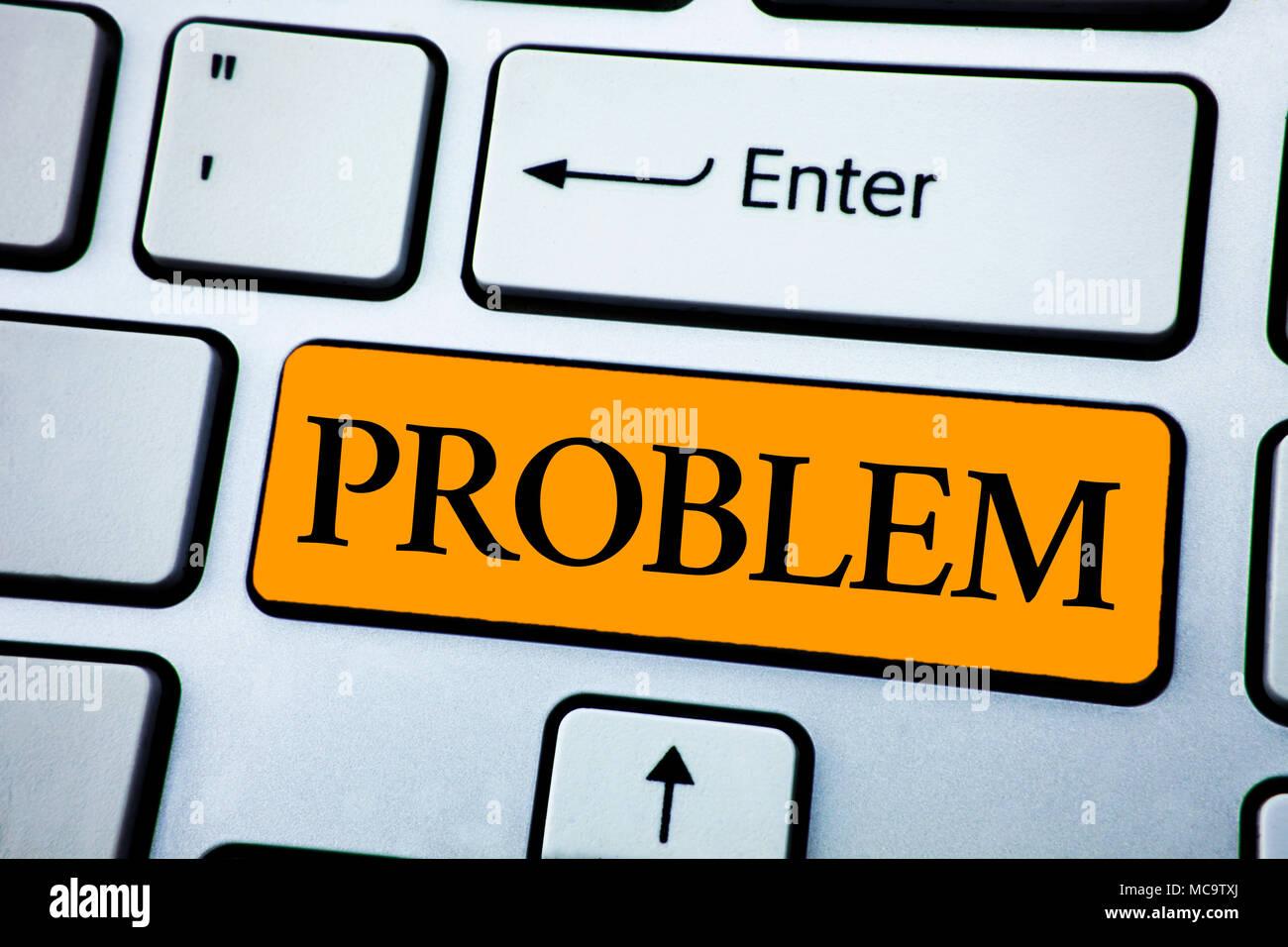Texte de l'écriture Problème. Le concept de sens qui doivent être résolus Situation difficile Complication written Touche Orange Clavier Blanc Bouton wit Photo Stock