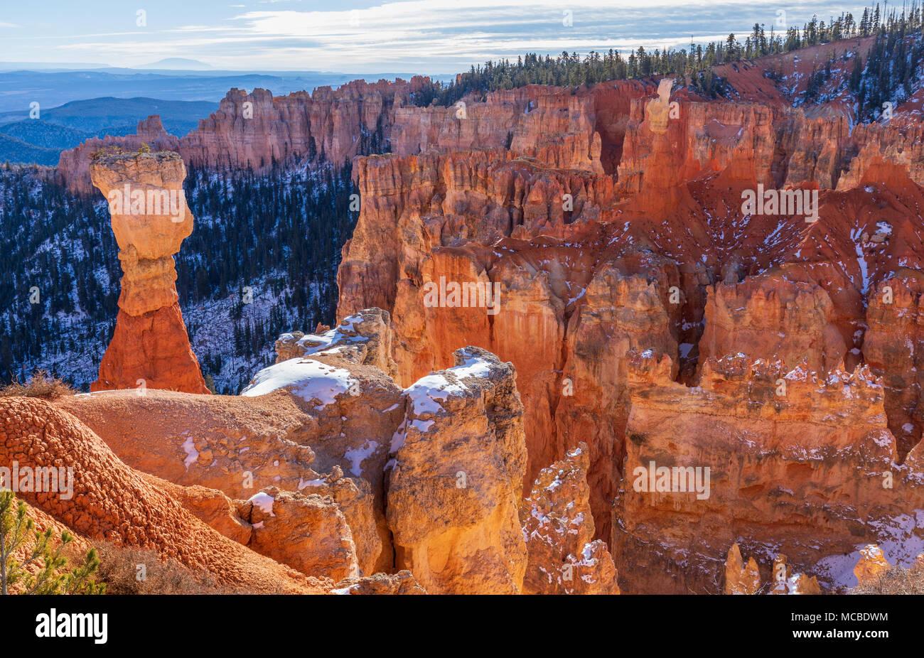 Le Parc National de Bryce Canyon pittoresque paysage de l'Utah en hiver Photo Stock