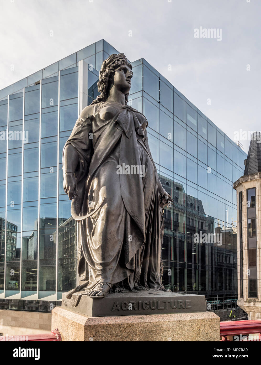 Statue représentant l'Agriculture sur HOLBORN VIADUCT, Londres, Royaume-Uni. Photo Stock