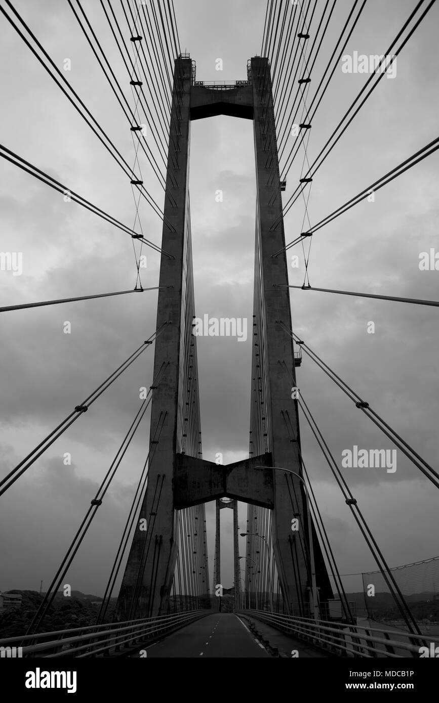 Traverser le grand pont Yobuko Banque D'Images
