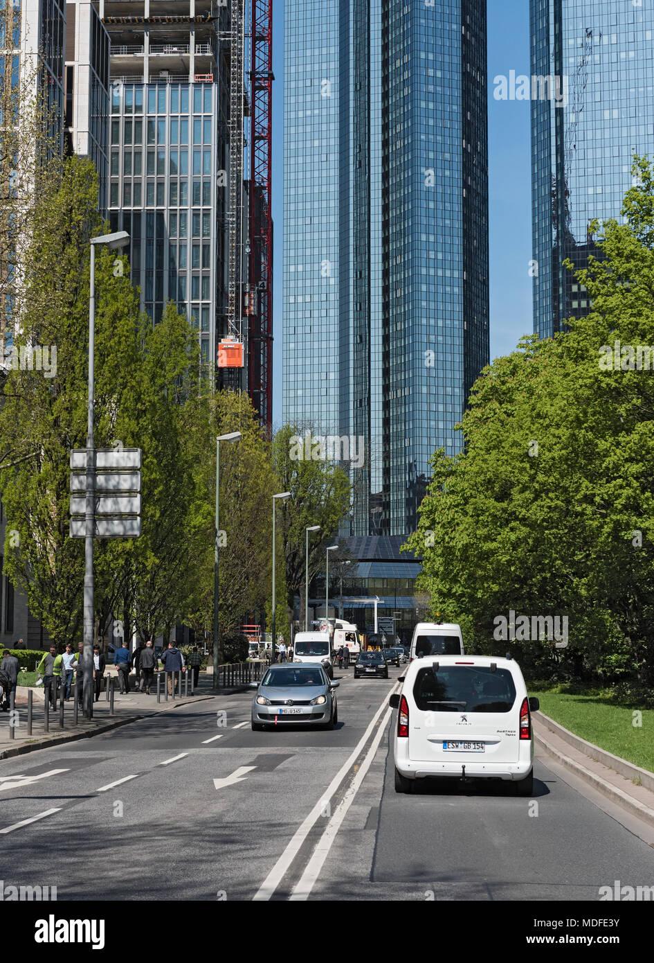 Paysage à la construction de gratte-ciel dans taunusanlage Frankfurt am Main, Allemagne Photo Stock