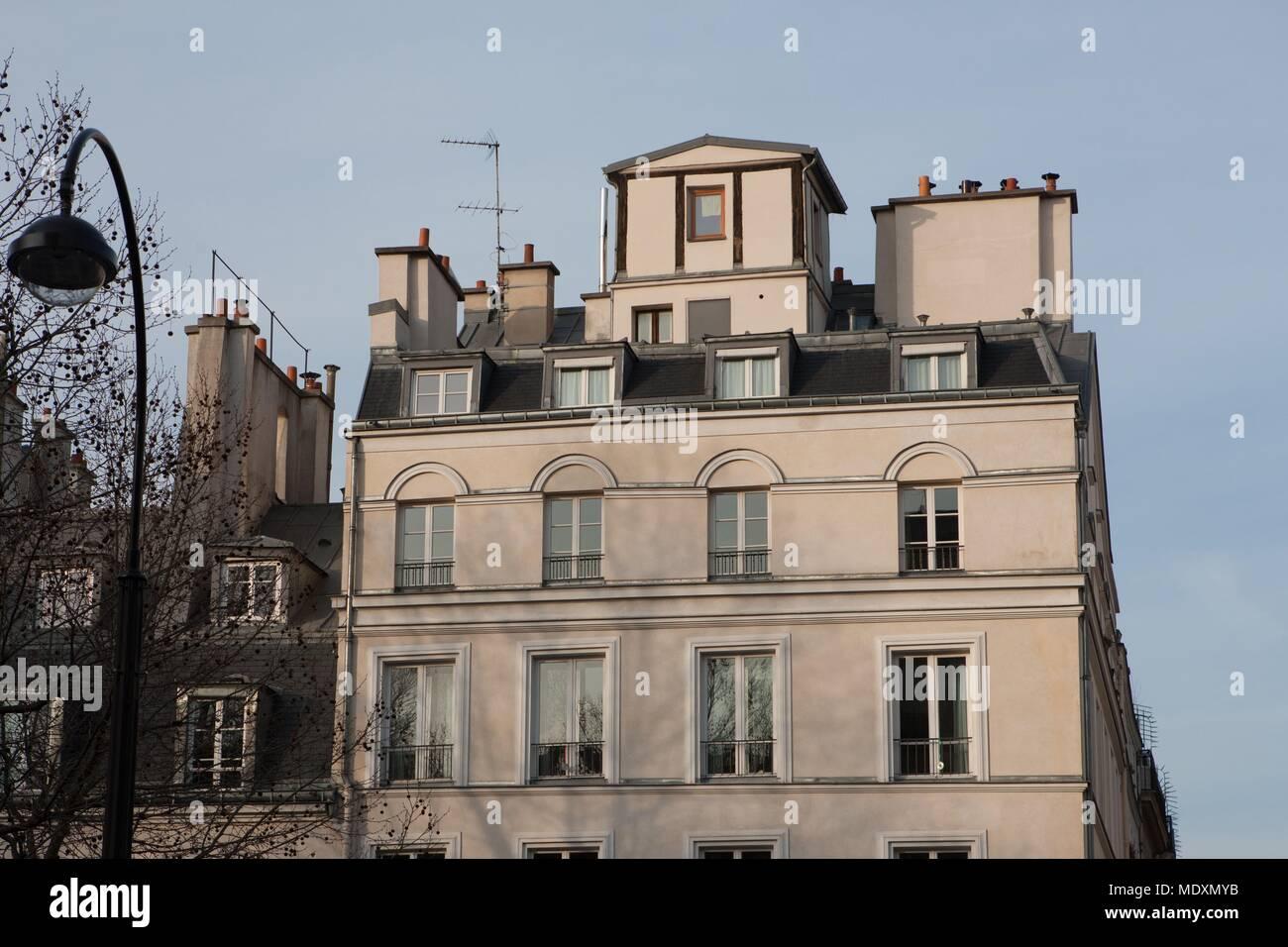 Paris, boulevard Saint Martin, l'écart entre la rue et le trottoir Banque D'Images