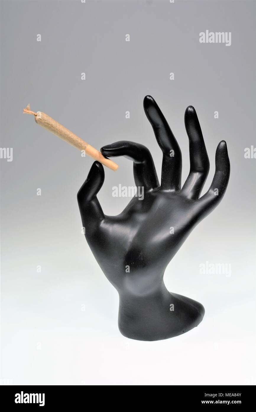 Hand holding mixte de la marijuana Banque D'Images