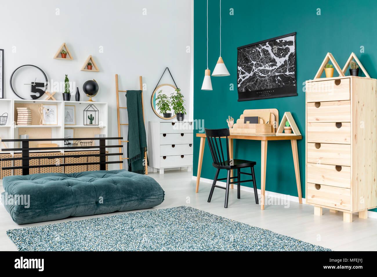 L espace ouvert de l intérieur chambre de l adolescent avec plan