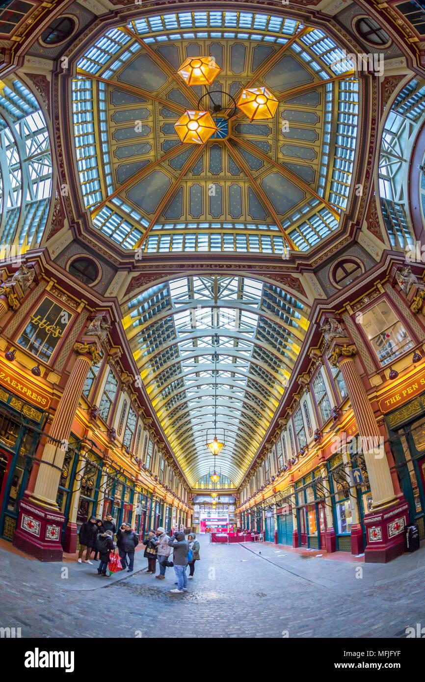 Vue de l'intérieur de l'œil de Leadenhall Market, de la ville, Londres, Angleterre, Royaume-Uni, Europe Photo Stock