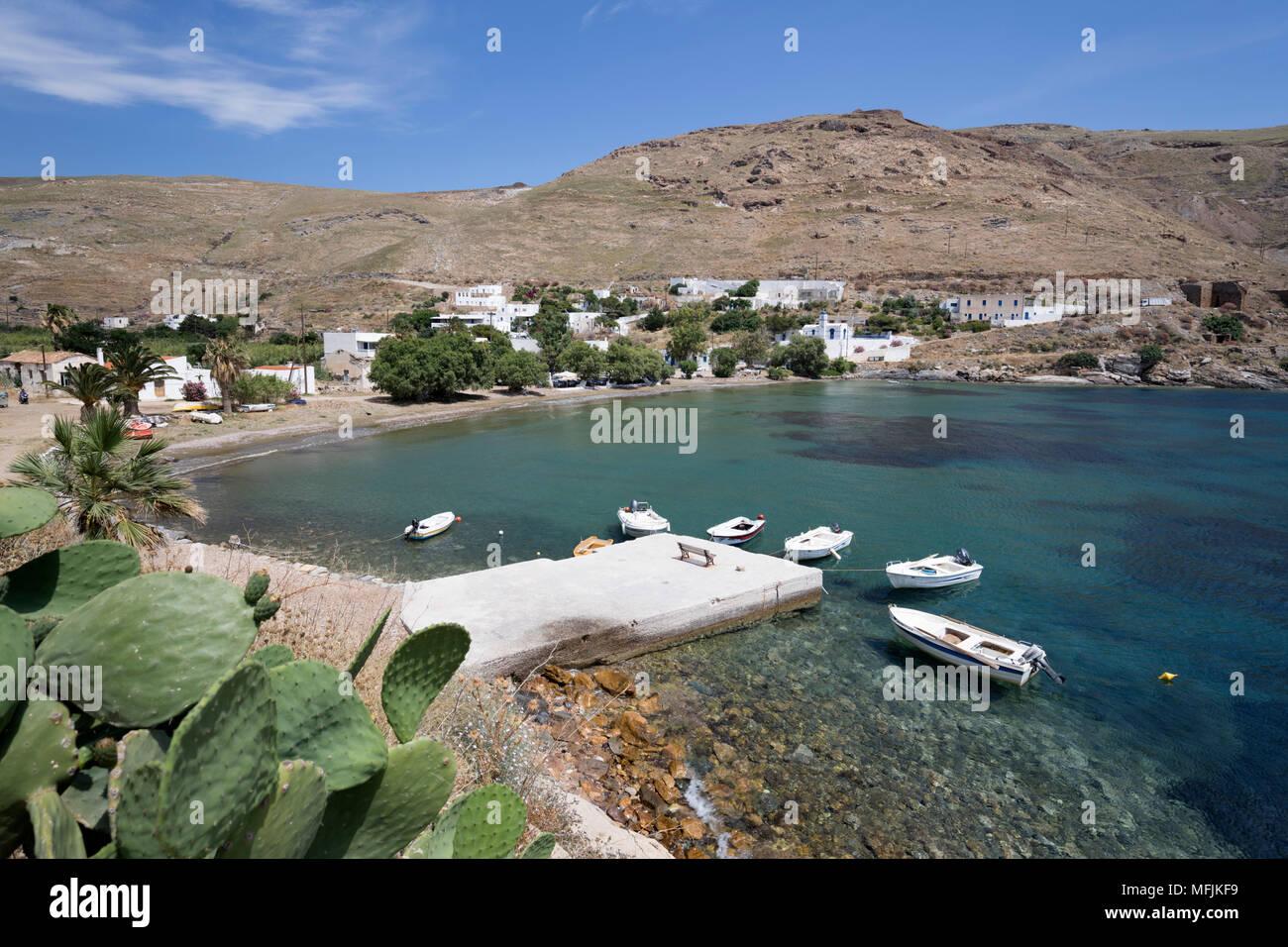 Vue sur Megalo Livadi sur la côte ouest de l'île, Serifos, Cyclades, Mer Égée, îles grecques, Grèce, Europe Banque D'Images