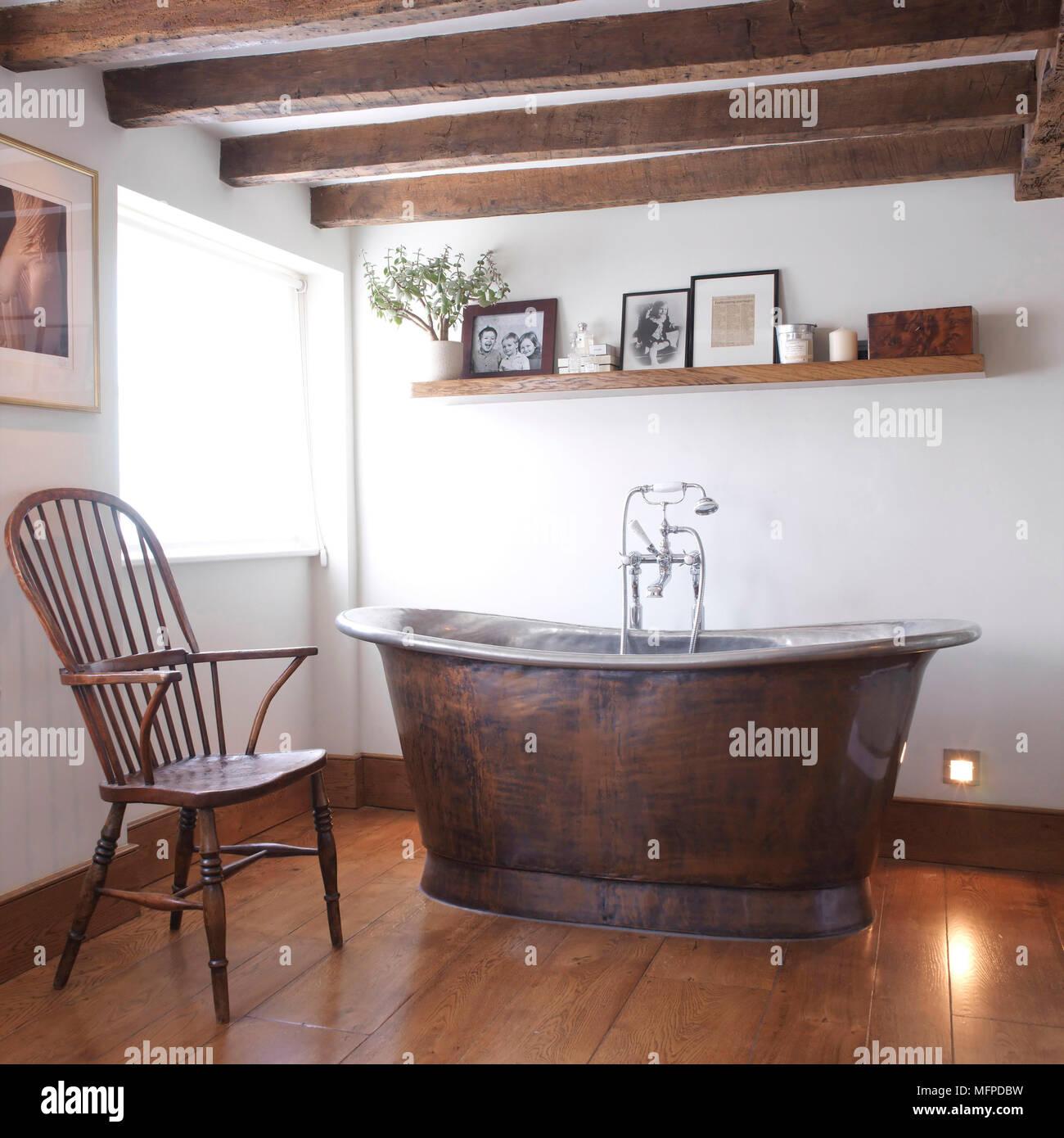 L\'ancienne baignoire sur pieds au centre du pays, avec salle ...