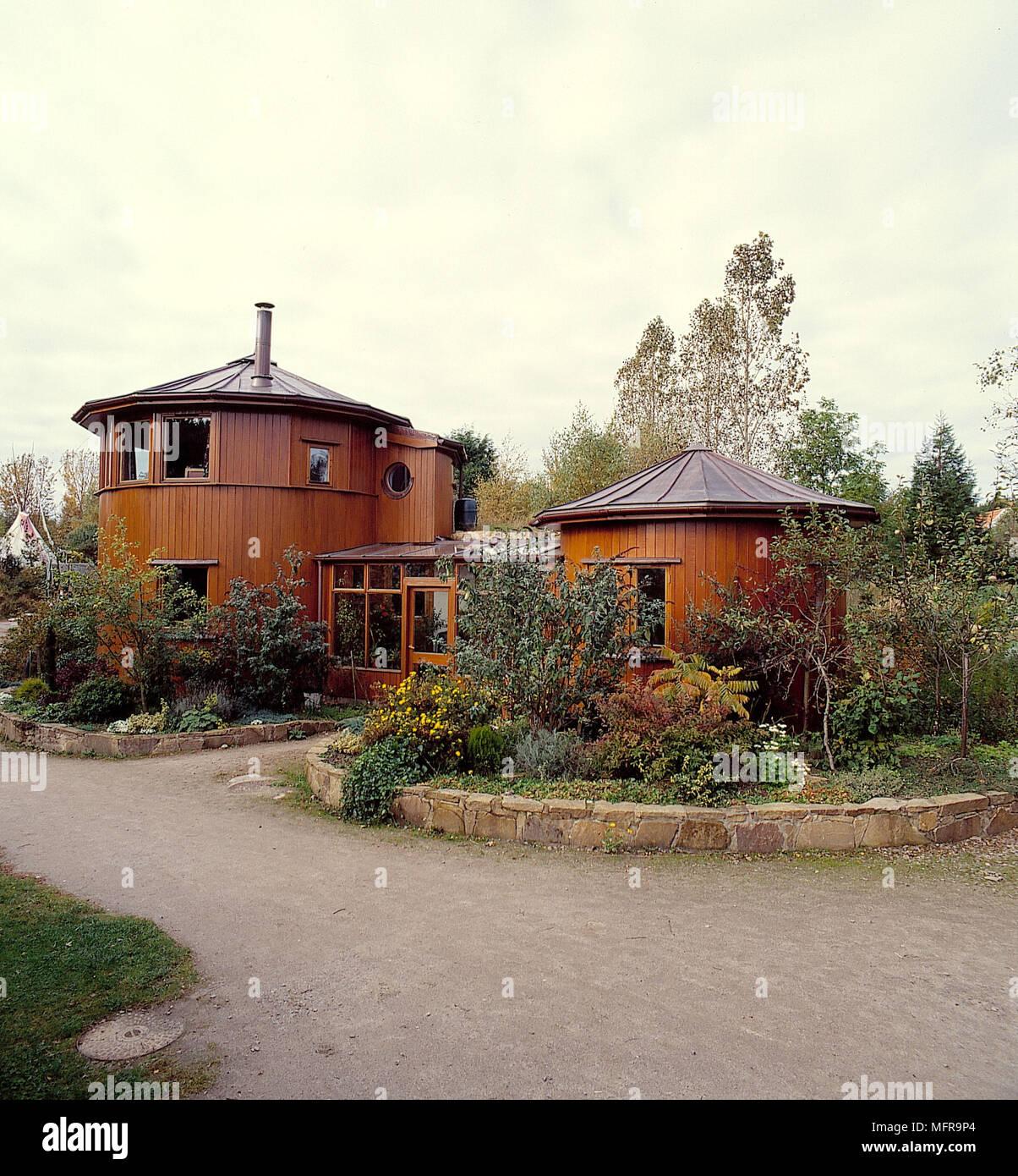 Maison de campagne moderne à l\'extérieur des bâtiments de ...