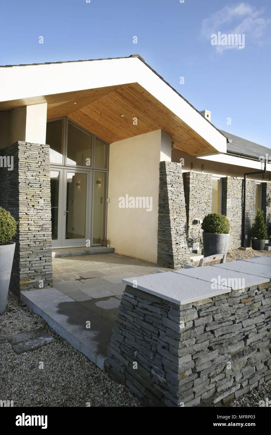 Ext rieur de maison de nouvelle construction avec porche - Porte exterieur maison ...