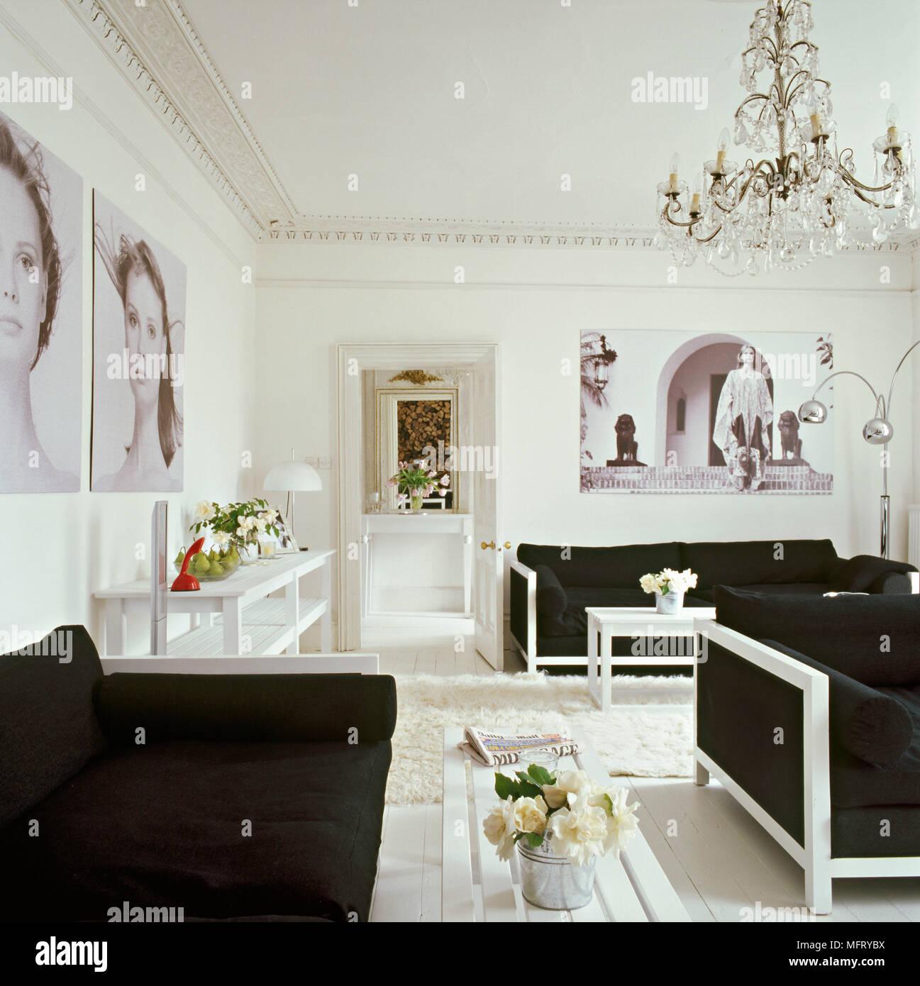 Un Salon Moderne Blanc En Bois Peint En Blanc Avec Des