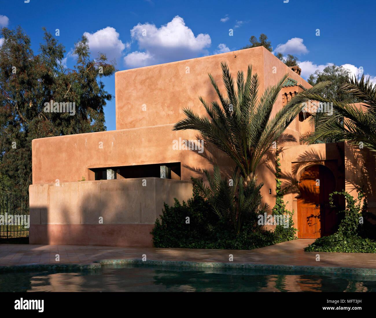 Maison marocaine palmiers extérieur extérieur moderne architecture Banque D'Images, Photo Stock ...
