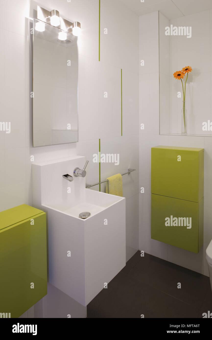 Miroir au-dessus de lavabo mural contemporain en blanc et vert lime ...