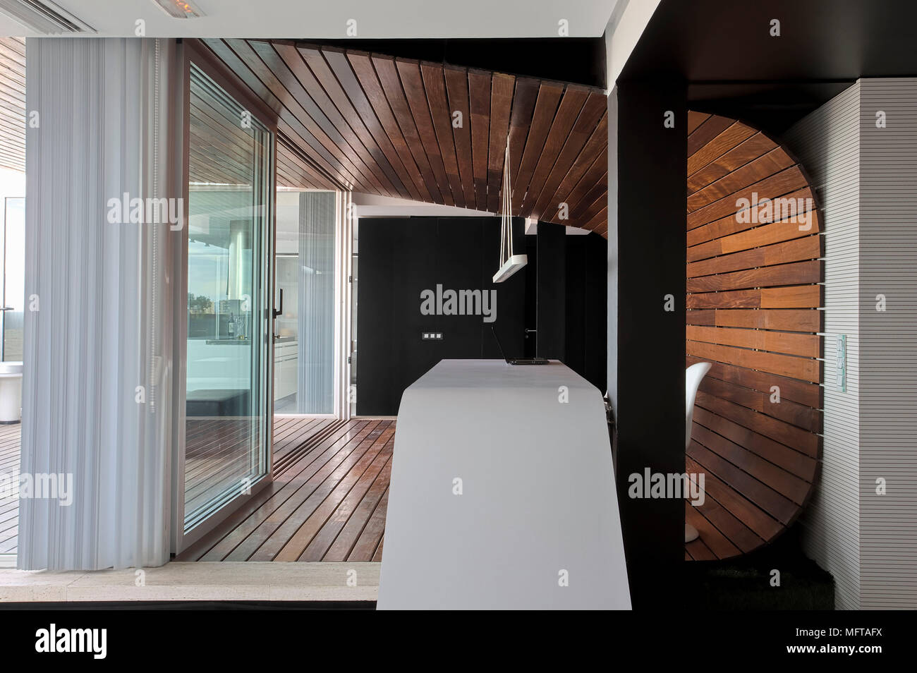Tableau moderne à cheval sur deux chambres par ouvrir la ...
