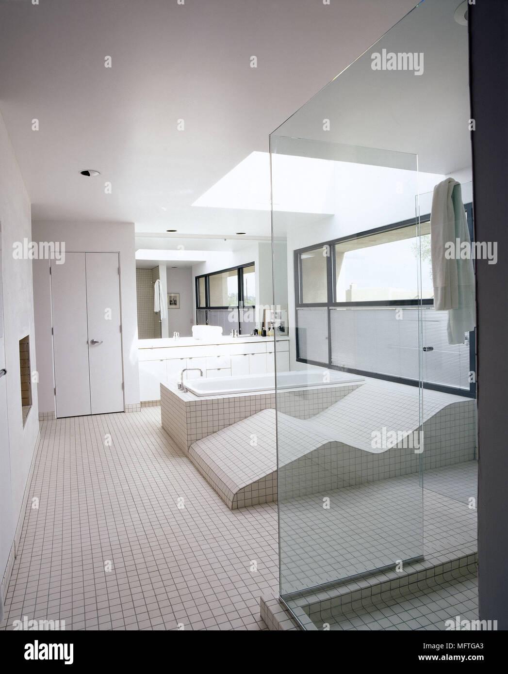 Salle De Bains Minimaliste Moderne Carrelage Mosaique Neutre Cabine
