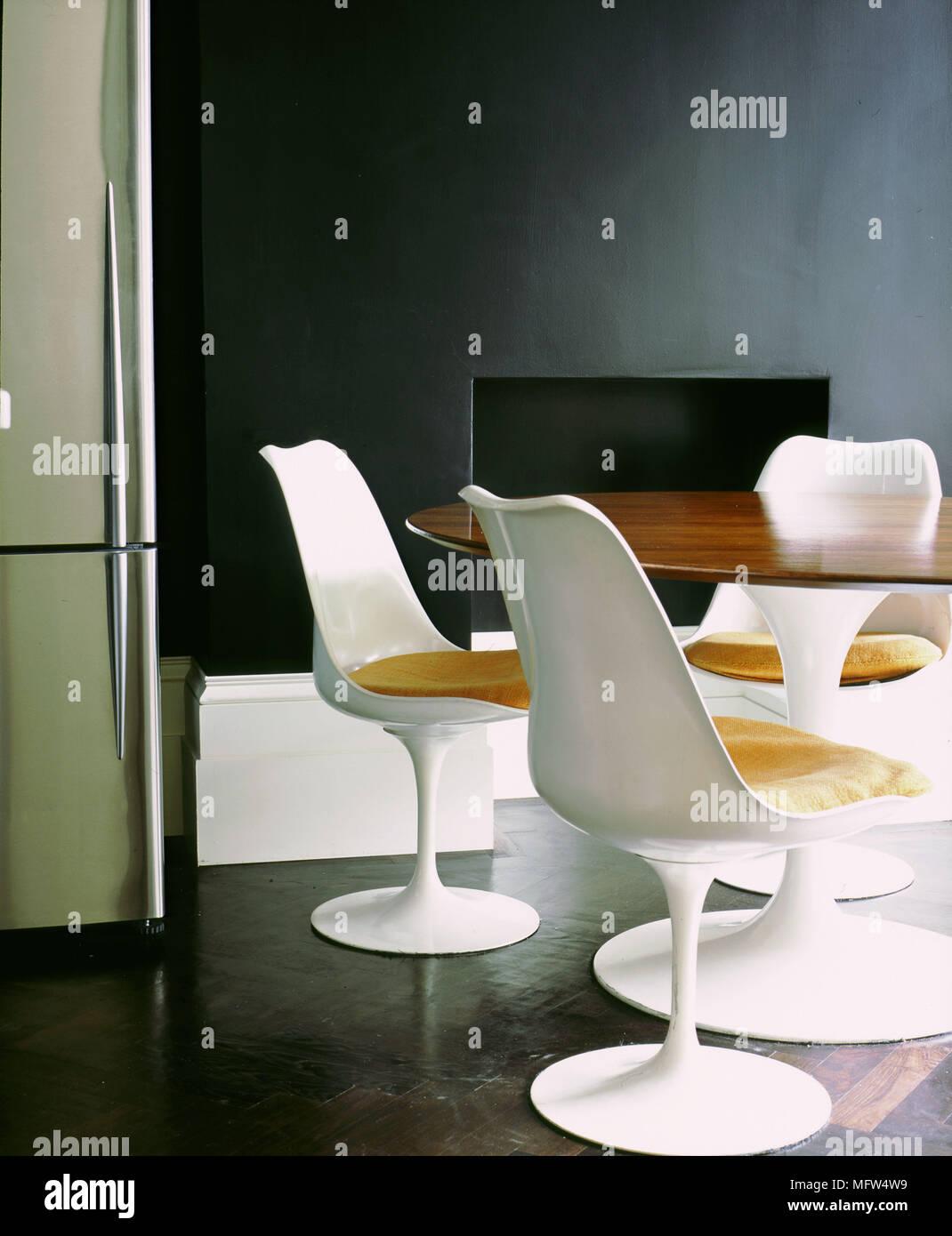 Salle à Manger Moderne Blanc Détails Chaises En Plastique
